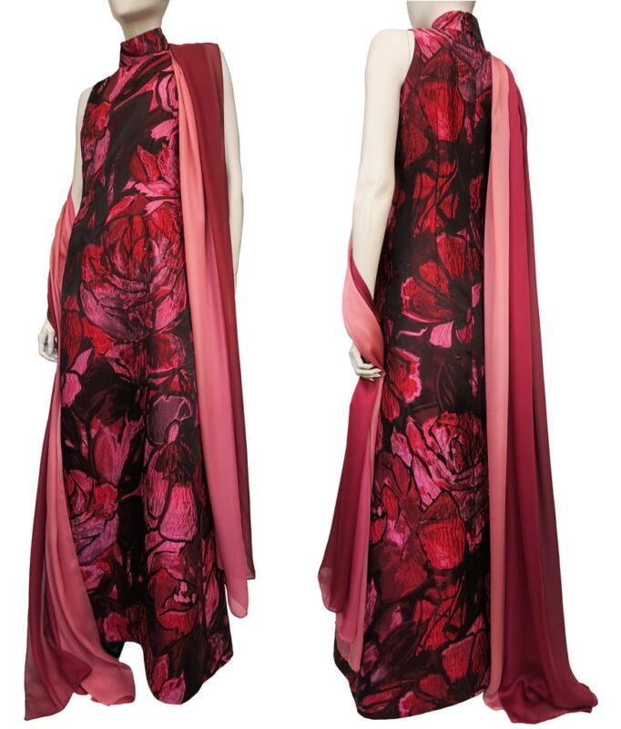 Feestelijke japon met rozen en lange sjaal