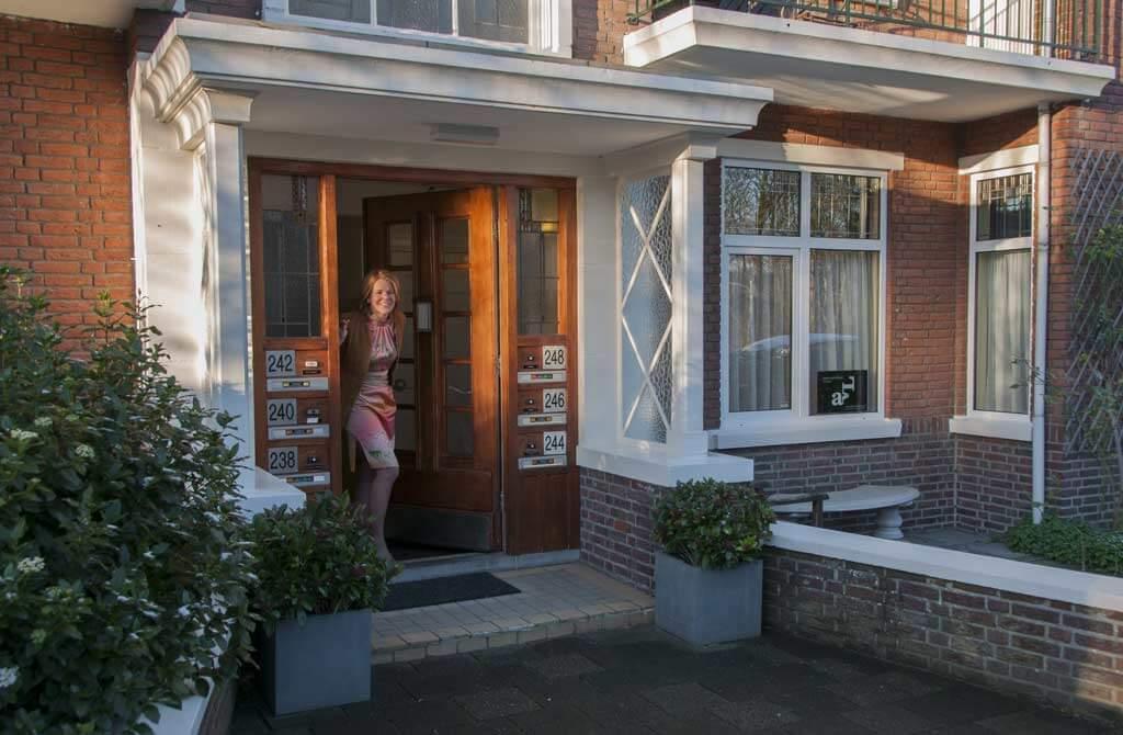 Angeline van Leeuwen Contact