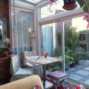 AvL Couture in de glazen tuinkamer met perfect daglicht